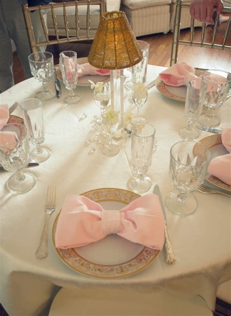 THINGS {SHE} LOVES: Pittsburgh Wedding Planner | Bow-Tie