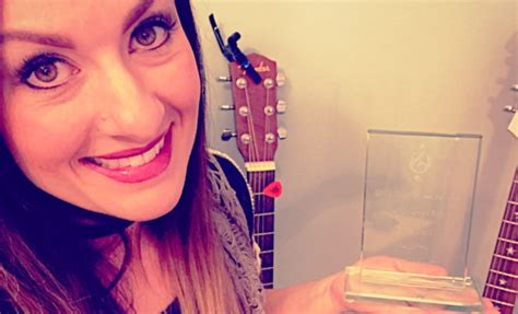 """Erin Stoll Receives Ohio Music Award for """"Unfinished"""