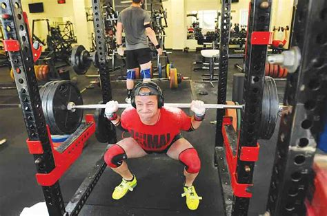 Soldier progresses, dedicated in powerlifting | Article